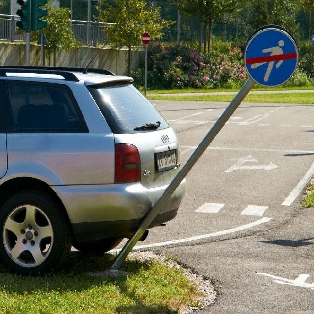 poteau anti choc augustaflex, test avec une voiture