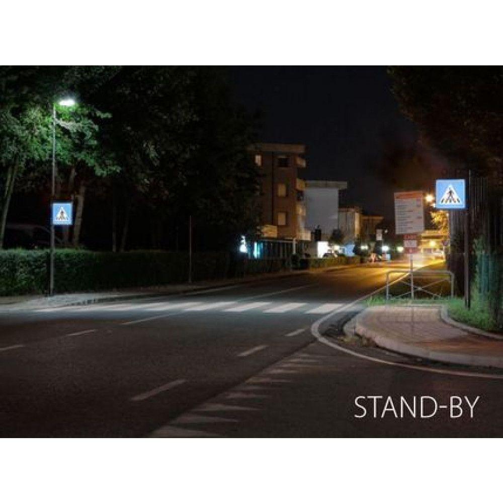 Système d'éclairage et de signalisation interactif pour passages piétons situation nuit 2
