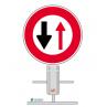 panneau_temporaire_obligation_de_ceder_le_passage_aux_vehicules_venant_en_sens_inverse_b15_png